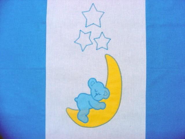 Ursuletul pe semiluna albastru